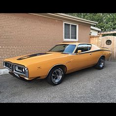1971 Dodge Charger Super Bee Photo: @r1topdog Thx!:) #yeg #mopar #superbee #charger #roadrunner #challenger #coronet #cuda #musclecar #polara #dart #satellite #barracuda #roadwarrior #gtx