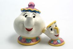 Salt and pepper shakers!  I wonder if they make sugar and cream dishes to go with them!