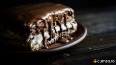 Cum sa faci cea mai buna glazura de ciocolata pentru diferite prajituri - cumsa.ro Chocolate Recipes, Chocolate Cake, Square Pan, Tiramisu, Pudding, Treats, Cookies, Mai, Ethnic Recipes