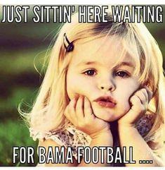 Just sittin here waiting for Bama football.I love Alabama via GIPHY (animated gif) Alabama Crimson Tide, Crimson Tide Football, Football Baby, Football Memes, College Football, Uofa Football, Alabama Football Game, Football Season, Bama Fever