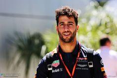 Ricciardo F1, Daniel Ricciardo, Jackie Stewart, Alain Prost, Russian Grand Prix, F1 2017, Honey Badger, Beautiful Men Faces, F1 Season