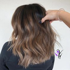Smokey Caramel return Related posts: 76 Pretty Caramel highlights ideas for your colorist Amazing caramel balayage that you can do at home Caramel hair color … Brown Ombre Hair, Balayage Hair Blonde, Brown Balayage, Brown Hair With Highlights, Ombre Hair Color, Brown Hair Colors, Brunette Hair, Caramel Balayage Highlights, Hot Hair Colors