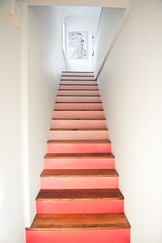 coral ombre stairs, Design Sponge on Remodelaholic Coral Paint Colors, Coral Colour, Colour Combo, Wall Colors, Hardwood Stairs, Wooden Stairs, Live Coral, Coral Pink, Blush Pink