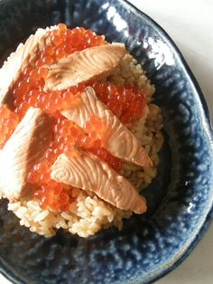 Harako-Meshi - Famous rice from Myagi cooked with salmon & soy sauce, topped with salmon and ikura はらこ飯