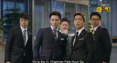 Can't handle the awesomeness of the Chief Kim-Sul bromance. Jung Hye Sung, Chief Kim, Namgoong Min, Watch Drama, Lee Junho, Drama Quotes, Korean Drama, Kdrama, Disney