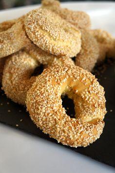 Κουλούρια Θεσσαλονίκης Salmon Fish Cakes, Cyprus Food, Seafood Diet, Desserts With Biscuits, Greek Sweets, Tv Chefs, Greek Cooking, Bread Bun, Greek Recipes