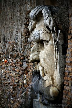 Giardino degli Aranci, fontana Roma.