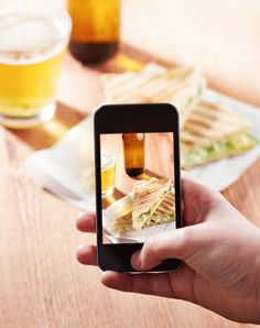 Should food porn and smartphone photography be banned at restaurants?