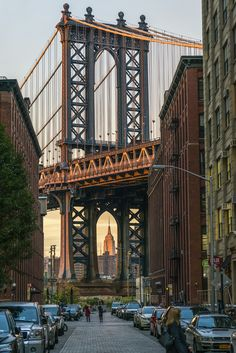 manhattan-madison-avenue: nycgo: Manhattan Bridge. (Photo: Julienne Schaer/ NYC & Company) The Manhattan Bridge is a suspension bridge that crosses the East River in New York City, connecting Lower Manhattan at Canal Street with Downtown Brooklyn at theFlatbush Avenue Extension.