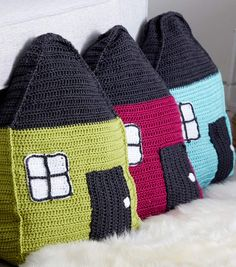 How To Make A Cozy Cottage Crochet Pillow