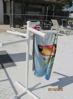 PVC pool side towel rack or for snow clothes. Pvc Pool, Diy Swimming Pool, Swimming Pool Designs, Pool Fun, Pool Towel Holders, Towel Rack Pool, Pool Towels, Towel Racks, Drying Racks