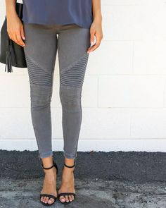 Our bestselling moto jegging, a coveted favorite! These moto jeggings have ankle…