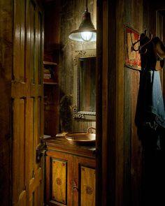 Méchant Studio Blog: a ranch-cabin in Colorado Vintage Bathroom Decor, Vintage Bathrooms, Rustic Bathrooms, Bathroom Ideas, Cabin Interiors, Country Interiors, Victorian Interiors, Rustic Comforter, Rustic Lake Houses