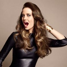 Eva Green loves her Bronde color! What about you ? If you are a Bronde girl, share it with us and tag #loreapro and #Bronde #beforeAfter #Newlook #loveforhair #Haircolor #Brondehair #NewandNow #regram