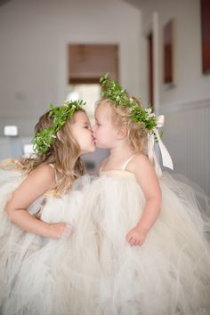 flower girl kisses \ sisters \ wreaths \ headpieces \ paso robles wedding \ some favorite moments of 2013 | wedding » BrittRene Photo