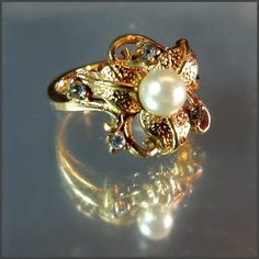 Vintage Jewelry Blog - Retro Vintage Home Decor: Pearl Ring Gold Leaves w Diamond Grey Crystals Vin...