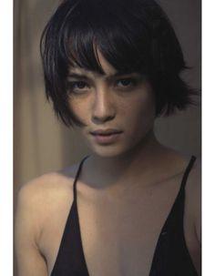 Modèle coupe de cheveux courts hiver 2015 - Les plus belles coupes courtes de Pinterest - Elle