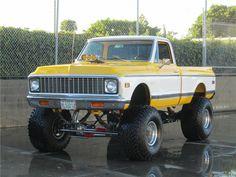 1972 Chevrolet Cheyenne Custom Pick-Up Gm Trucks, Lifted Trucks, Cool Trucks, Pickup Trucks, Truck Memes, 67 72 Chevy Truck, Classic Chevy Trucks, Chevrolet Trucks, Chevy 4x4