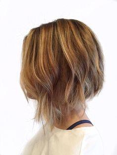 Wispy asymmetrical bob with balayage Hair Lights, Light Hair, Blonde Balayage Bob, Balayage Highlights, Hair Color Balayage, Hair Color For Brown Skin, Hair Color Dark, Grey Hair, Grey Bob Hairstyles