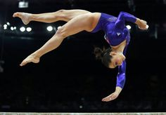 Jordyn Wieber of the U.S. competes in the balance beam during the women's gymnastics qualification in the North Greenwich Arena during the London 2012 Olympic Games July 29, 2012. REUTERS/Brian Snyder (BRITAIN - Tags: SPORT OLYMPICS SPORT GYMNASTICS)