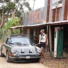 The Porsche Carrera GT earned some notoriety several years ago when it figured in the tragic death of actor Paul Walker. Porsche 912, Porsche Autos, Porsche Carrera Gt, Porsche Club, Porsche Classic, Classic Cars, Classic Auto, Ferdinand Porsche, Vintage Porsche