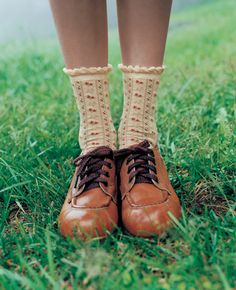 Image shared by Amelia. Find images and videos about vintage, shoes and socks on We Heart It - the app to get lost in what you love. Cute Outfits With Leggings, Tight Leggings, Amelie, Adventure Style, Granny Chic, Mori Girl, Sock Shoes, Leggings Fashion, Vintage Fashion