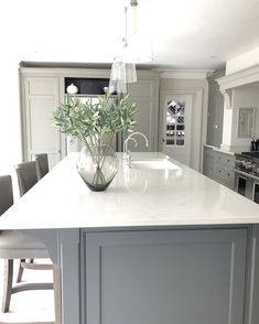 Idea, formulas, as well as overview for receiving the most ideal outcome and ensuring the max perusal of kitchen island ideas Home Decor Kitchen, Open Plan Kitchen Dining, Kitchen Plans, Open Plan Kitchen Living Room, Grey Kitchen Diner, Kitchen Diner, Home Kitchens, Kitchen Renovation, Kitchen Design