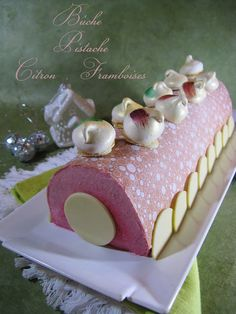 J'en reprendrai bien un bout...: Bûche Noël 2012 # 3 - Bûche Pistache, Citron-Framb...