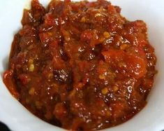 Macam2 resep sambal. (Ground red chili with belacan)