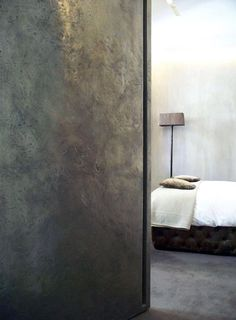 """Color palette - MBR - Metallic accent wall; less """"gold"""" and more """"patina""""  Scotch Collectables 