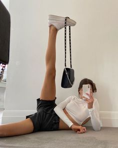 subtle flex December 12 2019 at fashion-inspo Aesthetic Photo, Aesthetic Clothes, Urban Aesthetic, Poses Pour Photoshoot, Outfit Photoshoot, Fitness Photoshoot, Mode Outfits, Fashion Outfits, Fashion Clothes