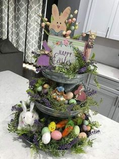 DIY Easter Decorations ideas that are happy & hopeful DIY Ostern Dekorationen Ostern Party, Diy Ostern, Spring Crafts, Holiday Crafts, Holiday Fun, Diy Osterschmuck, Easy Diy, Diy Easter Decorations, Easter Centerpiece