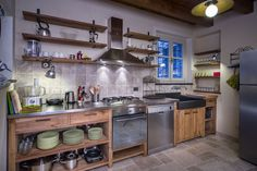 simple cupboards with no doors. Quirky Kitchen, Happy Kitchen, Kitchen Corner, Updated Kitchen, Home Decor Kitchen, Rustic Kitchen, Interior Design Kitchen, Country Kitchen, Diy Kitchen