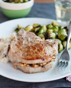 Recipe: Pork Chops Stuffed with Pine Nuts, Porcini Mushrooms & Pecorino — Recipes from The Kitchn Homemade Pumpkin Spice Latte, Mushroom Pork Chops, Chops Recipe, Pork Chop Recipes, Kitchen Recipes, Stuffed Mushrooms, Meals, Dinner, Kitchens