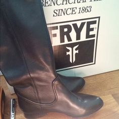 Like New Frye Boots! Like new. Come with box, no scuffs scratches or marks. Perfect condition. Size 7 Cindy slouch black boots. Purchased for $368+tax a few months ago. Will trade for lulu wunder under full length size 4 Frye Shoes