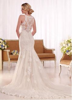 Amazing Tulle Jewel Neckline Mermaid Wedding Dresses with Lace Appliques