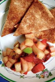 rochellerella: Apple Berry Salsa w/ Cinnamon Chips