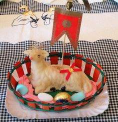Agnello di Pasqua - di pasta reale (marzapane)     Kids are headed back in School  and Parents is back to work That Wonder brains session could be pumped up by lunch DELIVERED! Want to hea