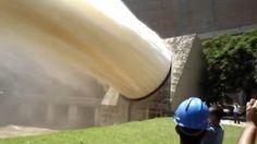 ❝ Así es como descarga agua una presa [VÍDEO] ❞ ↪ Puedes leerlo en: www.divulgaciondmax.com