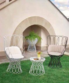 Coussin pour fauteuil Re-trouvé - blanc  amateur de design http://www.amateurdedesign.com/grand-coussin-d-assise-pour-fauteuils-re-trouve-emu-diamante.html