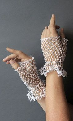 tatted fingerless gloves Browse through over high quality unique tattoo designs from the world's best tattoo artists! Tatting Necklace, Tatting Jewelry, Tatting Lace, Diy Lace Gloves, Crochet Gloves Pattern, Crochet Patterns, Finger Tattoos, Tattoos Partner, Flash Tattoo