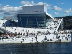 Planning a trip to Oslo? Read arcspace's architectural travel guide to Oslo to find out all the best the city has to offer. Contemporary Architecture, Landscape Architecture, Landscape Design, Architecture Design, Architecture Diagrams, Architecture Student, Architecture Portfolio, Fiordo De Oslo, Opera House Architecture