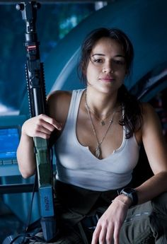 Michelle Rodriguez - 'Avatar' - Women in Uniform - The Girls of Military Movies - Photos Michelle Rodriguez Avatar, Beautiful Celebrities, Beautiful Actresses, Fast And Furious Letty, Michelle Rodrigues, Mädchen In Uniform, Michael Rodriguez, Tough Girl, Warrior Girl