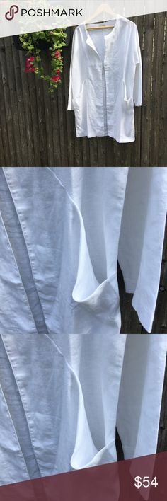 WHITE LINEN OPEN JACKET: GARNET HILL NWT This is a brand new (though sans tags) open jacket/duster from Garnet Hill. Size M/L. Pure white linen. Two front pockets. Open style--no closures. Nice diagonal detailing on front. [See photo.] Length 30 inches. Garnet Hill Jackets & Coats