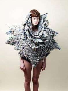 Rowan Mersh used origami techniques to rework WWF member magazines into a visually robust yet structurally fragile wearable sculpture. Paper Fashion, Fashion Art, Fashion Design, Origami Fashion, Fashion Trends, Mode Bizarre, Wild Style, My Style, Green Style