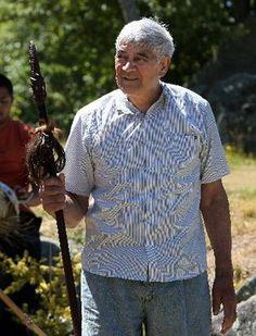 Te Arawa kaumatua Mita Mohi's lifetime of teaching haka and mau taiaha has been honoured with a Te Waka Toi award. My People, Men Casual, Teaching, Weapons, Mens Tops, Culture, Crafts, Maori, Weapons Guns