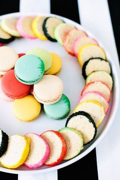 Rainbow rimmed cookies.