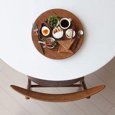 朝ごはんプレート  少しずつ色々がワクワクして楽しいアスパラベーコンソーセージ無花果ヨーグルト卵オリーブサラダパン  #wgn朝