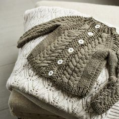 toddler's cardigan ~ free pattern in several sizes