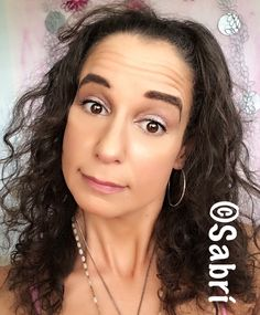 Being #lazy and doing more #lowkey #makeup! Liking the #oneshadow #look in #pinktopaz. Featuring #wetnwildbeauty #fotofocusfoundation and #concealer, #blush, #highlighter and #contouringpalette. #Beauty #Belleza #Bellezza #Beauté #Beleza #Cosmetics #Cosméticos #Cosmetici #produitsdebeaute #Makeup #Maquillaje #maquillage #maquiagem #fabat40.